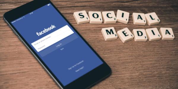 Dlaczego warto nas śledzić na FaceBook'u